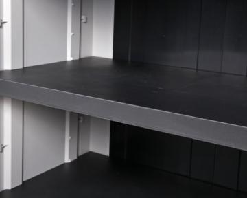 Hellgrauer Balkonschrank Kunststoff